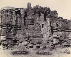 [Detail of the carvings on the wall of Somanatha Temple.]